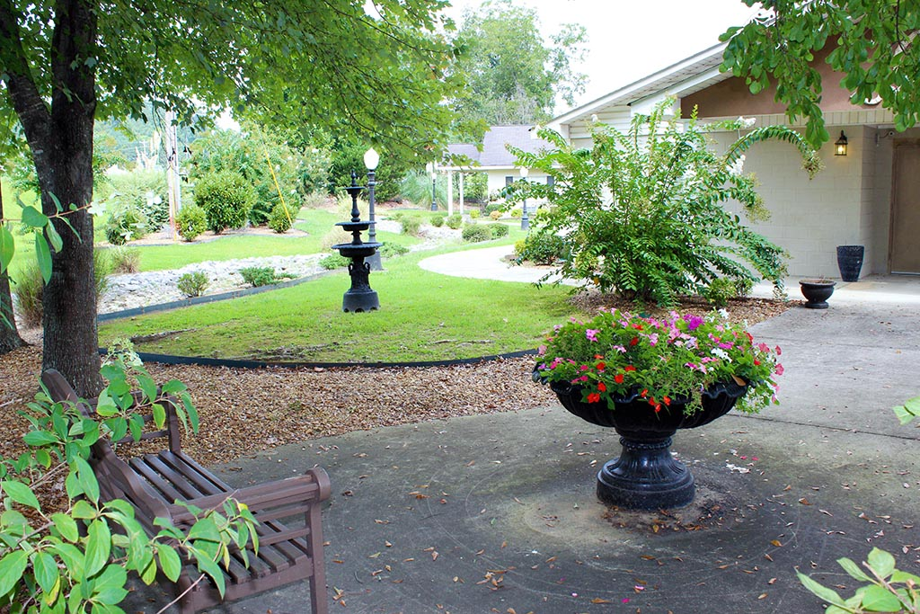 hanceville-grounds-2